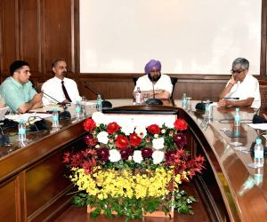 Punjab CM Amarinder chairs Transport Policy 2017 meet