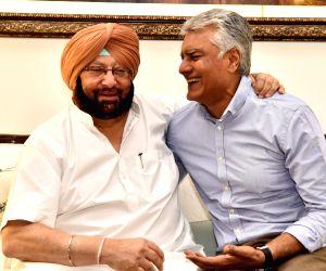 Amarinder Singh meets Sunil Jakhar
