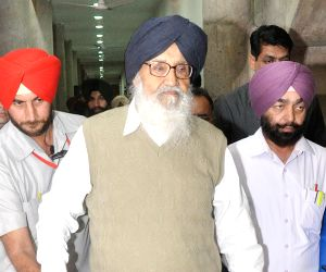 Badal visits Vajpayee's house to express grief