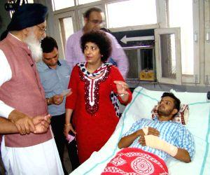 Parkash Singh Badal visits the victims of Gurdaspur terror attack
