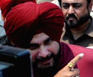 Navjot Sidhu inspects Durgiana Temple