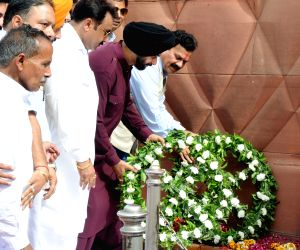 Sidhu visits Jallianwala Bagh on the anniversary of 1919 Amritsar massacre