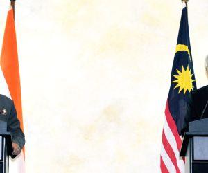 Putrajaya (Malaysia): Modi-Razak joint press conference
