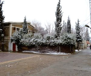 Heavy snowfall in southwest Pakistan's Quetta