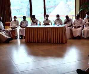 Rahul asks UDF to launch intense poll campaign in Kerala
