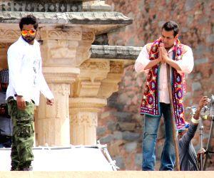 Salman shoots for 'Prem Ratan Dhan Payo'
