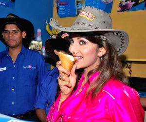 Rambha promotes Dolly of Quick Gun Murugun with Baskin Robbi.
