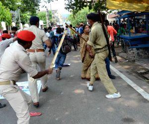 Rampaging students vandalise Patna properties