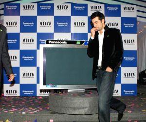 Ranbir Kapoor launches Z1 plasma TV.