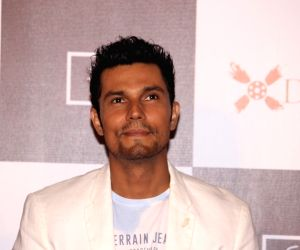 Learnt so much from Naseeruddin Shah: Randeep Hooda