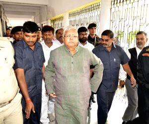 Lalu appears before CBI Court