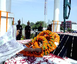 Paying tribute to Kargil martyrs