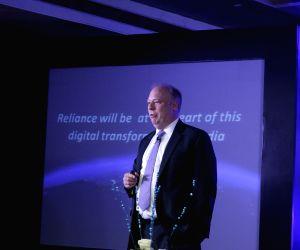 Reliance Globalcom launches Cloud Xchange