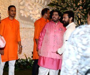 Reliance Industries Ltd Chairman Mukesh Ambani with his son Anant Ambani and actor Aamir Khan at Reliance Industries Ltd. Chairman Mukesh Ambani's residence in Mumbai on Sep 2, 2019.