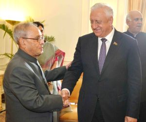 Mikhail Myasnikovich calls on the President Mukherjee