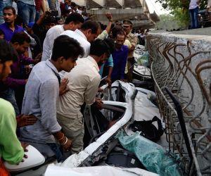 12 killed in flyover collapse