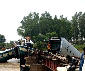 PAKISTAN GUJRANWALA TRAIN ACCIDENT