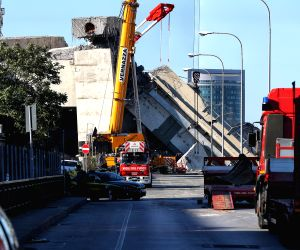 Italy government demands resignations after bridge collapse kills 39