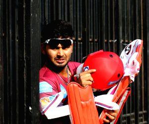 New Delhi: IPL 2017 - Delhi Daredevils - Practice Session - Rishabh Pant