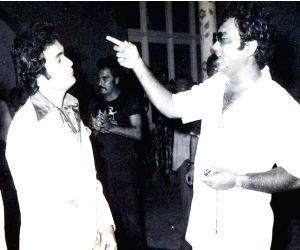 Free Photo: Rishi Kapoor 'a child star' has gone, says Subhash Ghai