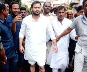 Tejashwi Yadav takes stock of the situation of water-logging
