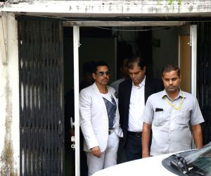 Robert Vadra, husband of Congress General Secretary (Uttar Pradesh East) Priyanka Gandhi Vadra, arrives to appear before the Enforcement Directorate (ED) in connection with a case of ...