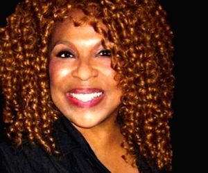 Roberta Flack falls ill at felicitation ceremony