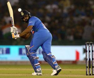 IPL: UAE's sand-based grounds 'hamstring' key Indian players