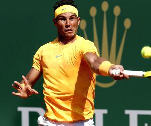 ROQUEBRUNE-CAP-Rafael Nadal of Spain returns the ball to Kei Nishikori of Japan during the final of the 2018 Monte-Carlo Masters in Roquebrune-Cap-Martin, France on ...