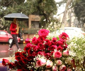 roses-for-sale-on-valentine-s-day-in-new-delhi-on