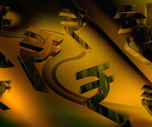 Rising trade deficit to dampen rupee's prospects