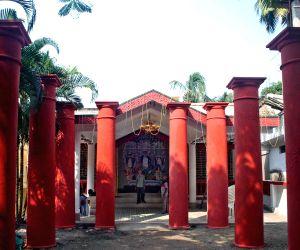 Sabarno Roy Chowdhury house Durga Puja Pandal