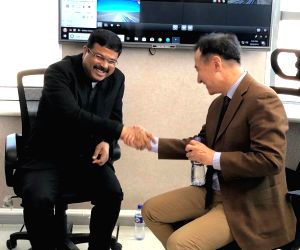 Dharmendra Pradhan meets Mongolian Foreign Minister