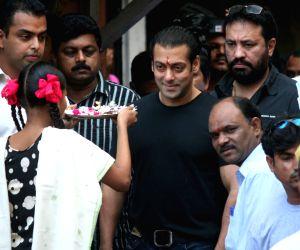 Salman at Tata Memorial Hospital and Dongri slums.