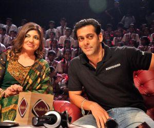 Salman Khan on the sets of Sa Re Ga Ma Lil Champs