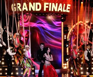 Bigg Boss Saath - 7 - Salman to perform for the opening act of Bigg Boss 7- Grand Finale