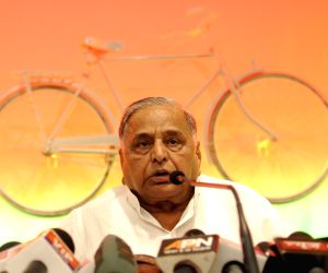 Mulayam rejects government's MSP claim, lack of job creation