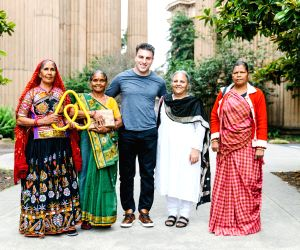 San Francisco (US): SEWA members meet Airbnb's Brian Chesky