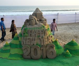 "Manas Kumar Sahoo's sculpture to welcome ""2016"