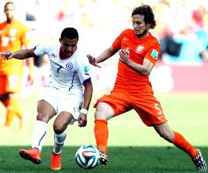 Man United defender Daley Blind returns to Dutch side Ajax