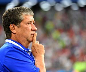 Gomez steps down as Panama football team coach