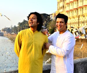 Amaan, Ayaan Ali Bangash at Gateway of India