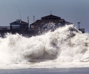 Seal Beach: Big wave