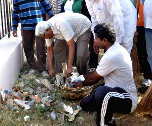 Swachh Hyderabad programme - M Kodandaram