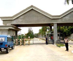 Bidadi (Karnataka): 44 Gujarat Congress MLAs staying at resort near Bengaluru