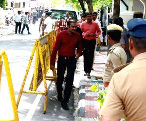 Ministers visit ailing Karunanidhi at his Gopalapuram residence