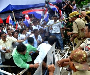 Lathi charge on AGP workers