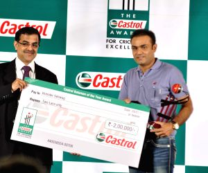 Sehwag at Castrol Cricket Awards at Grad Hyatt.