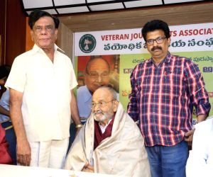 Senior Journalists Association Felicitates Dadasaheb Phalke K Viswanath