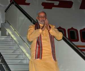 Modi arrives in Seychelles